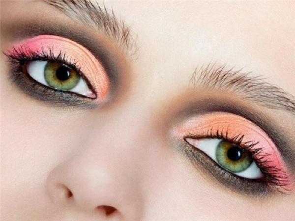 Фото макияж на зеленые глаза фото до и
