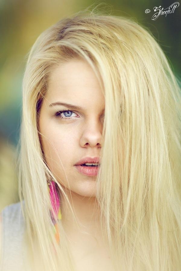 Сперма на груди блондинки 18 фотография