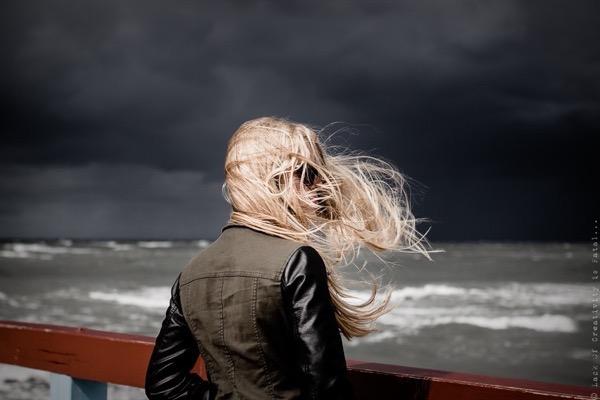 blondinka-seksualnie-i-krasivie-volosi-2015-3