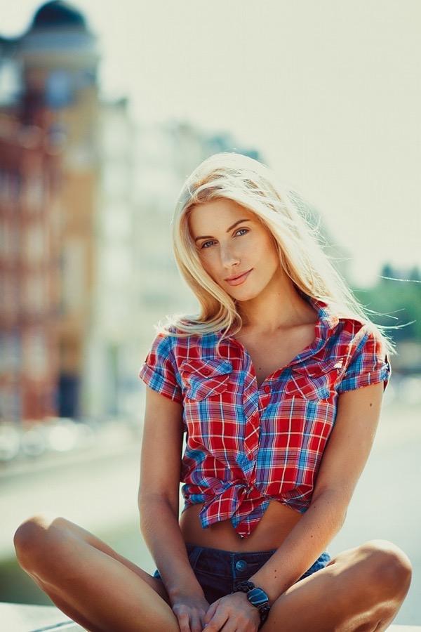 blondinka-seksualnie-i-krasivie-volosi-2015-34