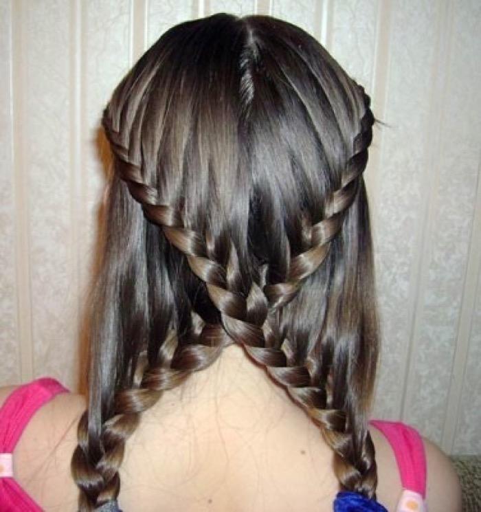 prichesli-dlya-devochek-na-dlinnie-volosi15