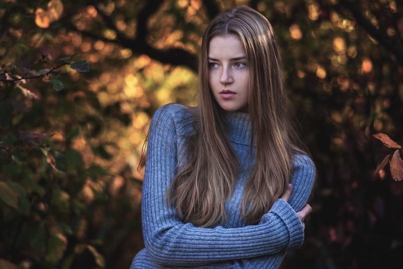 Девушка фото с русыми волосами